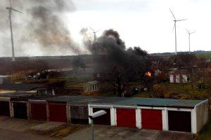 foto: kłęby dymu z wypalanych urządzeń AGD